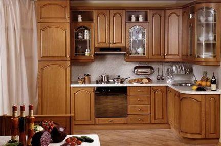 Кухни из массива дерева и из акрила: что лучше?