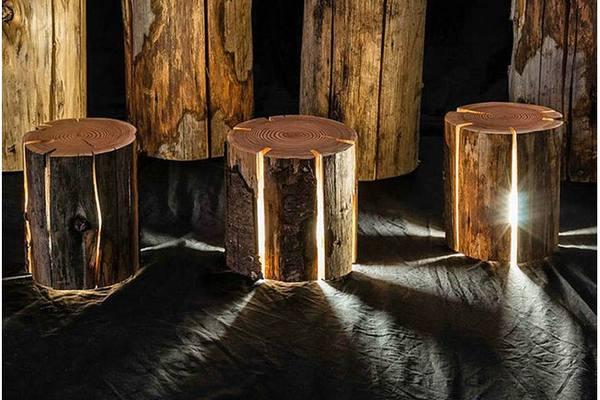 Светильники из древесных стволов