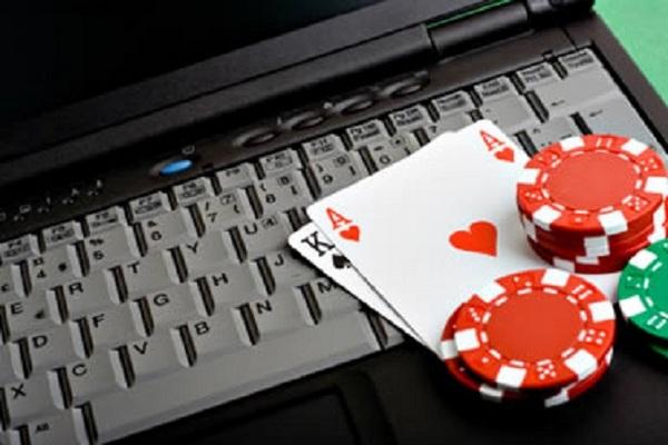 Как начать играть в покер в сети: советы для новичков